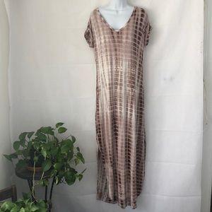 Dresses & Skirts - Brown & White Tie Dye Look Maxi Dress